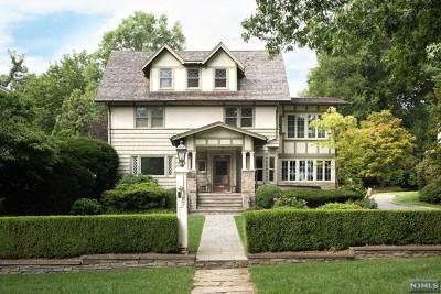 Ridgewood Single Family Home For Sale: 151 Sheridan Terrace