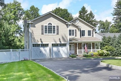 Montvale Single Family Home For Sale: 42 Spring Valley Road