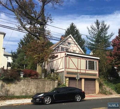 Hudson County Single Family Home For Sale: 145 Davis Avenue