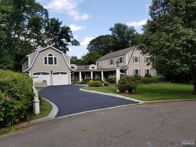 Wyckoff Single Family Home For Sale: 428 Kelly Court