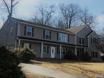 West Milford Single Family Home For Sale: 64 Chatham Road