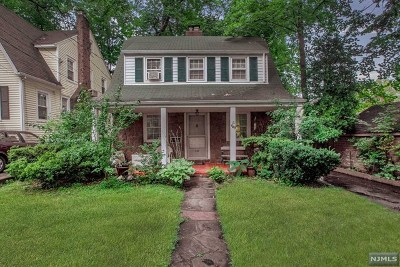 Teaneck Single Family Home For Sale: 449 Wyndham Road