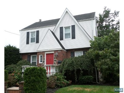 Fort Lee Single Family Home For Sale: 468 Bluff Road