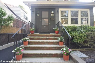 Cliffside Park Single Family Home For Sale: 48 Knox Avenue