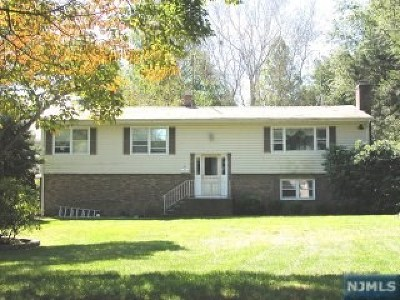 Closter Single Family Home For Sale: 2 Morrison Street