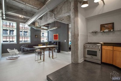 Jersey City Condo/Townhouse For Sale: 140 Bay Street #6f