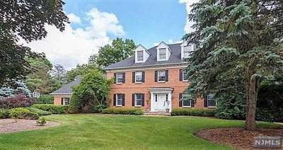 Franklin Lakes Single Family Home For Sale: 817 Sussex Road
