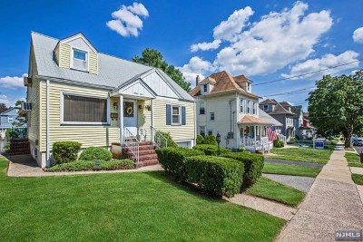 Single Family Home For Sale: 61 Grove Avenue