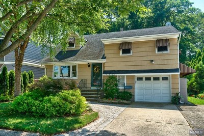 Rochelle Park Single Family Home For Sale: 139 Forest Place