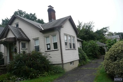 New Milford Single Family Home For Sale: 184 Grand Street