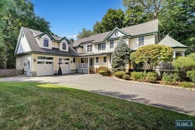 Hillsdale Single Family Home For Sale: 39 Magnolia Avenue