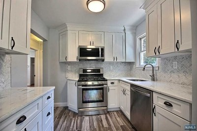Teaneck Single Family Home For Sale: 50 Fenimore Road