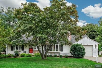 Oradell Single Family Home For Sale: 76 Elliot Court
