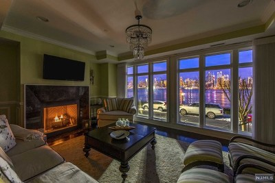 Weehawken Condo/Townhouse For Sale: 14 Henley Place