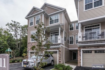 Montvale Condo/Townhouse For Sale: 28 Autumn Way