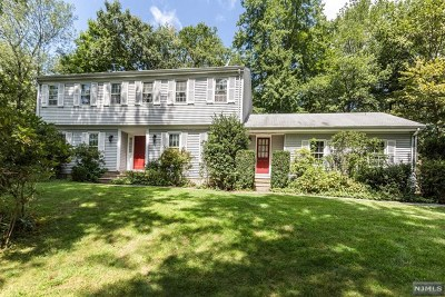 Mahwah Single Family Home For Sale: 6 Trommel Drive