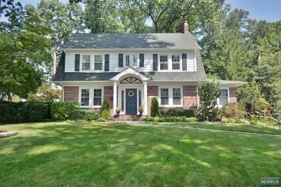 Midland Park Single Family Home For Sale: 138 Franklin Avenue