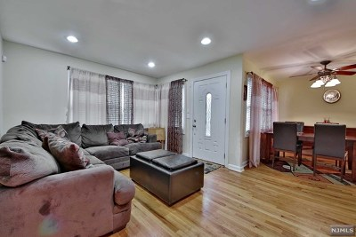Fair Lawn Single Family Home For Sale: 16-32 Eberlin Drive