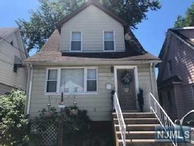 Hackensack Single Family Home For Sale: 137 Ricardo Place