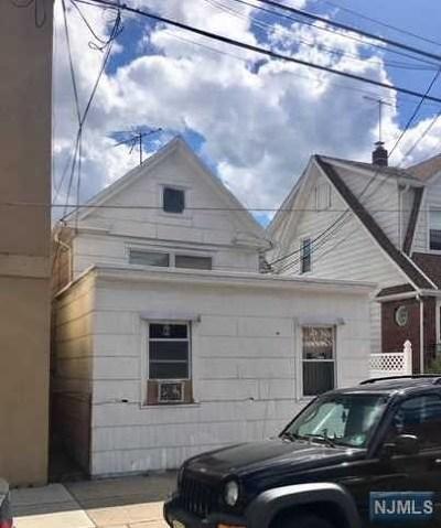 Hackensack Single Family Home For Sale: 51 Lodi Street
