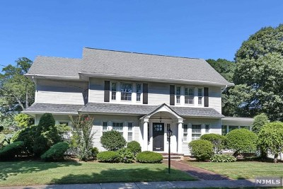 Glen Rock Single Family Home For Sale: 52 Berkeley Place