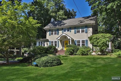 Ridgewood Single Family Home For Sale: 245 Phelps Road