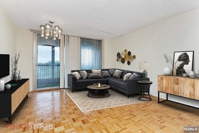 Fort Lee Condo/Townhouse For Sale: 5 Horizon Road #601