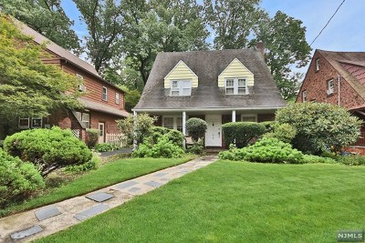 Teaneck Single Family Home For Sale: 510 Standish Road