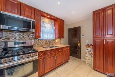 Teaneck Single Family Home For Sale: 100 Walnut Street