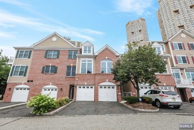 Hudson County Condo/Townhouse For Sale: 172 Price Court #172
