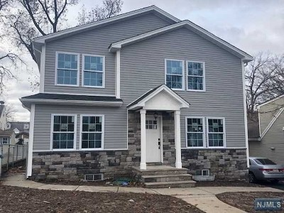 Hasbrouck Heights Single Family Home For Sale: 76 Columbus Avenue