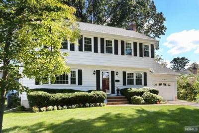 Oradell Single Family Home For Sale: 262 Carolina Drive