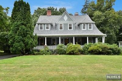 Ridgewood Single Family Home For Sale: 250 Woodside Avenue