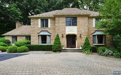 Franklin Lakes Single Family Home For Sale: 704 Somerset Street