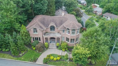 Englewood Cliffs Single Family Home For Sale: 305 Castle Drive