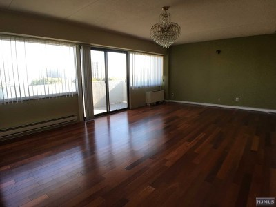 Fort Lee Condo/Townhouse For Sale: 1600 Center Avenue #10f