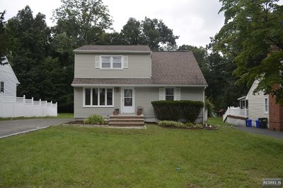 Oakland Single Family Home For Sale: 197 Hiawatha Boulevard