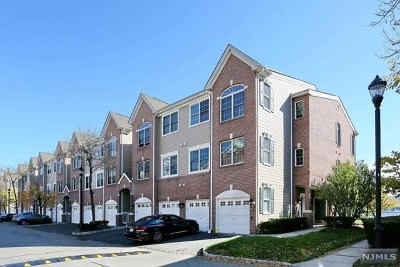 Hudson County Condo/Townhouse For Sale: 28 Lydia Drive #28