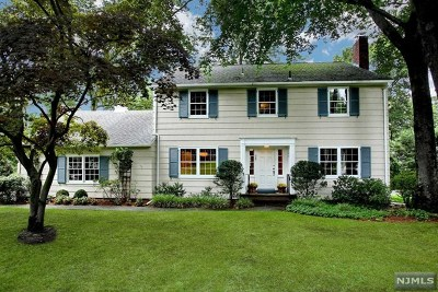Ridgewood Single Family Home For Sale: 385 Manchester Road