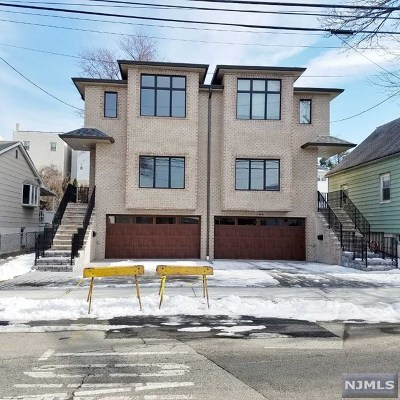 Fairview Condo/Townhouse For Sale: 78 Lincoln Street #A