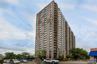 Cliffside Park Condo/Townhouse For Sale: 770 Anderson Avenue #2k