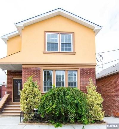 Cliffside Park Single Family Home For Sale: 161 Cedar Street