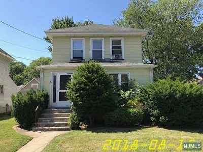Maywood Single Family Home For Sale: 717 Coles Street