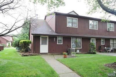 Waldwick Condo/Townhouse For Sale: 40-3 Tamaron Drive