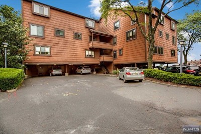 Secaucus NJ Condo/Townhouse For Sale: $449,000