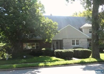 Bergen County Single Family Home For Sale: 591 Queen Anne Road