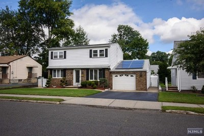 Saddle Brook Single Family Home For Sale: 285 Evans Place