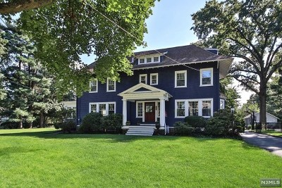 Ridgewood Single Family Home For Sale: 480 Beverly Road