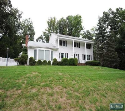 Wyckoff Single Family Home For Sale: 524 Waverly Road
