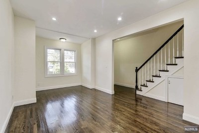 Jersey City Single Family Home For Sale: 256 Duncan Avenue